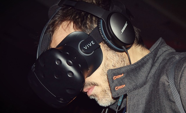 virtual-reality-2294691_640